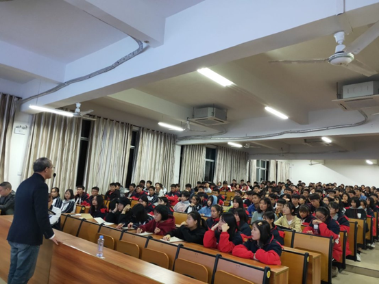 第六时限与广西新洲中学开展高考日语合作